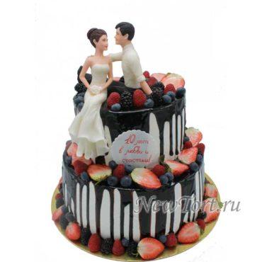 Торт на 10 лет свадьбы с ягодами