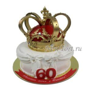 Торт на юбилей с короной