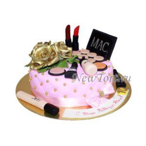 Торт с косметикой и розой