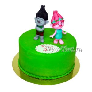 Торт с фигурками троллей