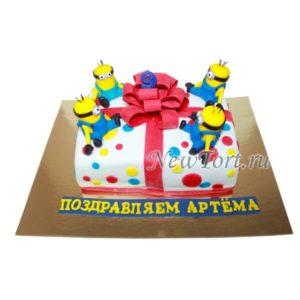 Торт Миньоны и бант