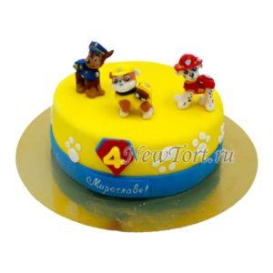 Желтый торт с щенками