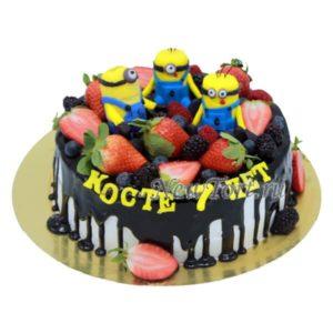 Торт Миньоны в ягодах