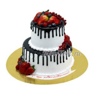 Ягодный торт в 2 яруса