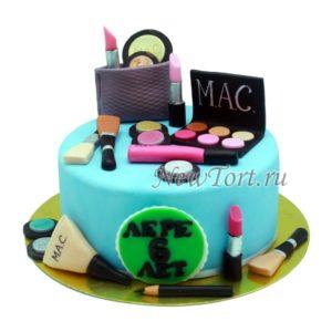 Торт с косметикой