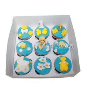 Капкейки на годик голубые с желтым