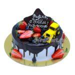 Торт желтый трактор и ягоды