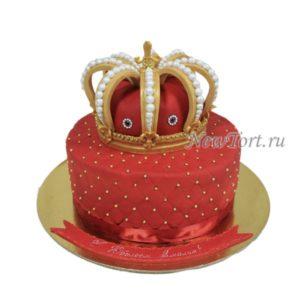 Торт с короной из мастики