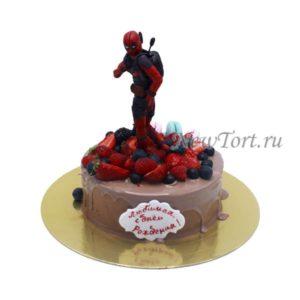 Торт Дэдпул с ягодами