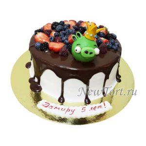Торт ангри бердс  и ягоды