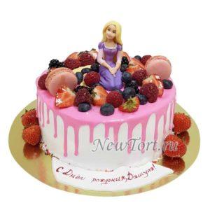 Торт Рапунцель с ягодами