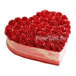Торт сердечко с розами