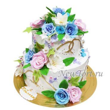 Большой торт с розами