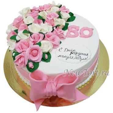 Торт розами и бантом