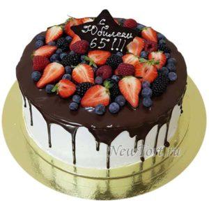 Ягодный торт на юбилей