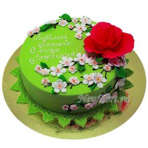Торт с цветком сакуры