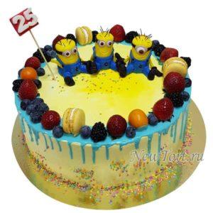 Торт Миньоны и ягоды