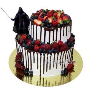 Торт Дарт Вейдер в ягодах