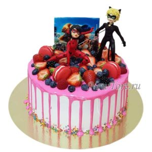 Торт Леди Баг и Супер Кот ягодный