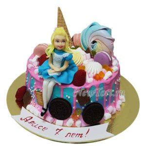 Торт Алиса и конфеты без мастики