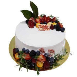 Ягодный торт на новый год