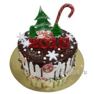 Новогодний торт с елкой и потеками