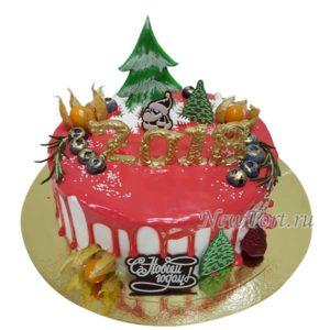 Новогодний торт с елочкой и ягодами