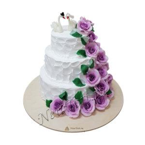 Свадебный торт розы и лебеди