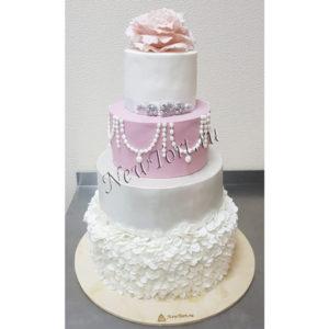 Большой свадебный торт с цветами