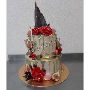 Свадебный торт с инжиром