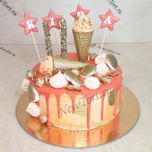 Золотистый торт со звездочками