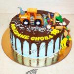 Торт - трактор в сладостях