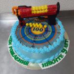 Торт с бластером и мишенью