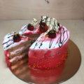 Постный торт с клубникой (без яиц)
