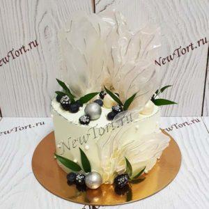 Торт с нежной вуалью и шарами ТЖ150